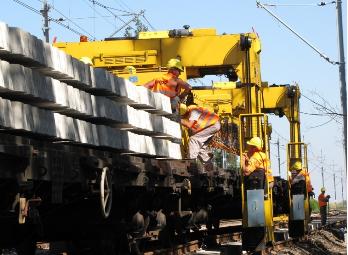Torpol jest pierwszą prywatną firmą w Polsce, która prowadziła prace przystosowujące linie kolejowe do prędkości 160 km/h. (Fot. materiały spółki)