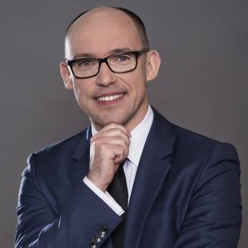 Robert Brzozowski - prezes zarządu Unimot