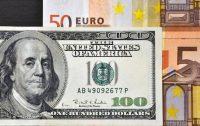 Zwrot na dolarze, wspierają go mocne dane z USA