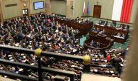 Sejm uchwalił pakiet MŚP, wprowadza m.in. blisko 50 uproszczeń dla firm