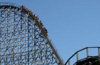 Giełdowy rollercoaster, banki pociągnęły w dół WIG20