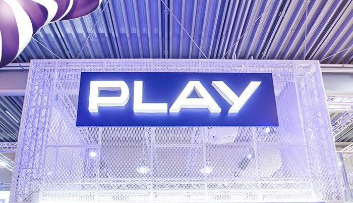 Play,wyniki, akcje, media
